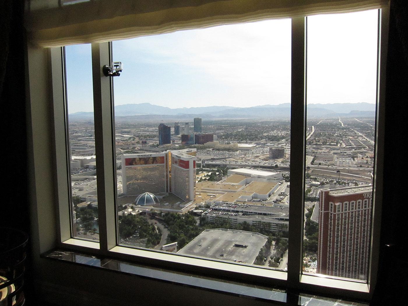 image Vegas hotel window 10