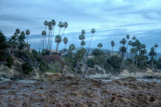 looking-inland-at-Laguna-Beach-dusk