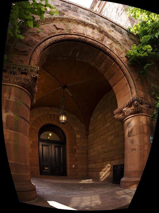 yale-university-archway-hugin-redrawn.jpg